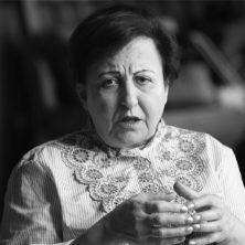 Shirin Ebadi: «Cuando perdemos la democracia no es sólo responsabilidad del dictador»
