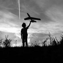 El vuelo del zeppelin, un cuento de Andrea Martínez Rodríguez