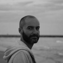 Eduardo Viladés: «Los artistas tendemos a la grandilocuencia de palabra»
