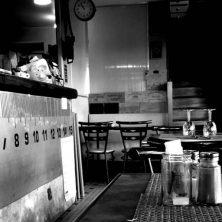 El bar de las mil caras,  un cuento de Eduardo Viladés